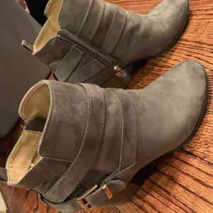 9eca0848b3d99 PERFECT Black Ankle Booties Express 8. M_5a0b83602ba50a60230114a0. Other  Shoes you may like. Express grey suede bootie